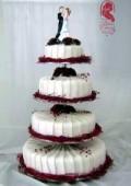 Esküvői torta (vörös-fehér)